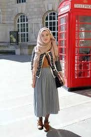 Vintagonista Blog Vintage Hijab Outfit Archive Alexa Grey Pleated Midi Skirt Colour
