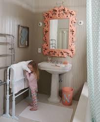 Cute Girly Bathroom Sets by Best 25 Kid Bathrooms Ideas On Pinterest Kids Bathroom