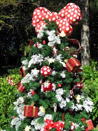 Minnie Mouses Christmas Tree