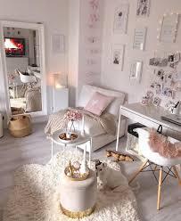 cozy in pink in diesem kuscheligen wohnzimmer in zartem