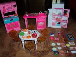 Free VINTAGE BARBIE Or Bratz DOLL HOUSE KITCHEN FURNITURE Dolls