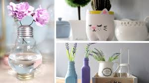 Awesome DIY Room Decoration Made Of Used Light Bulb And Bottles For Flower Vases
