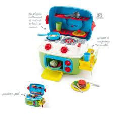cuisine enfant 2 ans noël approche sa liste de jouets à 2 ans et demi les cahiers