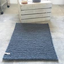 gestrickter badteppich aus kordel l textilo häkeln