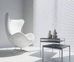 weiße holzjalousie mit 50mm lamelle minimalistisch