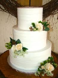 If You Are Looking For A Cake Your Try Out Buttercream Beauty Like This One From Sweet Treets Bakery In Austin TX Dessert Wedding Rustic