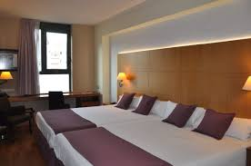 chambre familiale à barcelone hôtel evenia rossello 4