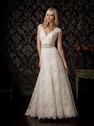 Zoom Vintage Lace Cap Sleeve Wedding Dress