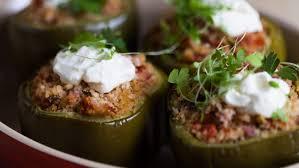 cuisiner les poivrons verts poivrons verts farcis au boulgour foodlavie
