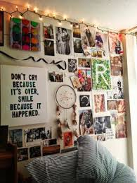 Top 24 Simple Ways To Decorate Your Room With Photos Dorm Walls DreamcatchersDorms