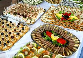 Casual Outdoor Wedding Reception Food