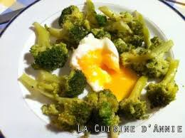 cuisiner des oeufs recette oeufs mollets aux brocolis la cuisine familiale un plat