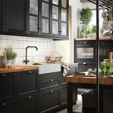 schwarze küche starker trend 2021 das haus ikea küchen