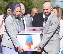 Hit The Floor Character Dies by Mother Of Who Died In Hit And Run Carries Her Coffin Daily