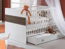 oignon dans la chambre baby securite et lit bebe quelques conseils pour bien le mettre un