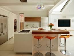 cuisine bois blanchi cuisine blanche et bois le mariage parfait pour une ambiance