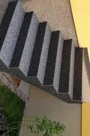 tapis antiderapant escalier exterieur revêtement pour escalier en tapis de pierres