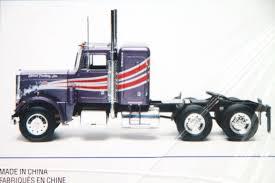 Amazoncom PETERBILT 359 Model Truck Kit 125 Scale AMT 2163938 ...