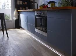 eclairage plan de travail cuisine tout savoir sur l éclairage dans la cuisine leroy merlin