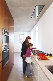 schmale küche mit materialmix bild 28 schöner wohnen