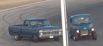 100 F100 Ford Truck 1975 Drifts Almost Crashes Into Another On