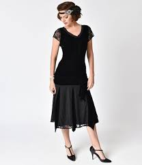 1920s Formal Dresses Evening Gowns Guide Unique Vintage Style Black Velvet Short Sleeve Millie