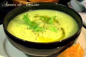 recettes de cuisine avec le vert du poireau soupe aux poireaux et cèleri facile et rapide amour de cuisine