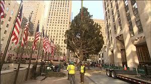 Nbc Rockefeller Christmas Tree Lighting 2014 by Rockefeller Center Christmas Tree Arrives In Nyc Video On