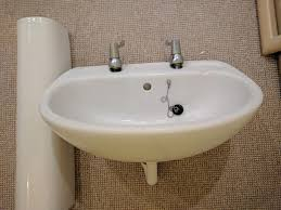 Kitchen Sink Splash Guard Uk by Bathroom Sink Ideal Standard With Stand White Good Condition