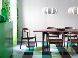 esszimmer in braun und grün teppich esstisch ikea