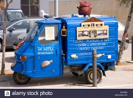 Ape Mini Truck Stock Photo: 24925812 - Alamy