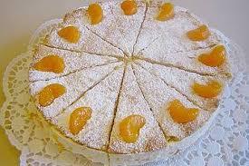 quark sahne torte mit mandarinen gedeckt