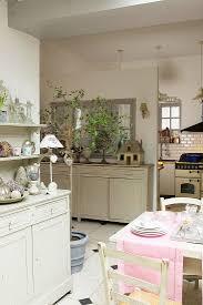 esszimmer und offene küche im bild kaufen 12417544