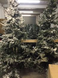 Christmas Tree Sale 10ft by Secondhand Prop Shop Christmas Huts And Grottos 100x Assorted