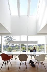 esstisch mit luftraum falke architekten moderne esszimmer