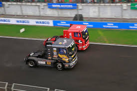 100 Big Truck Racing Starts Bringing Gains For Tatas Heavy Truck Business