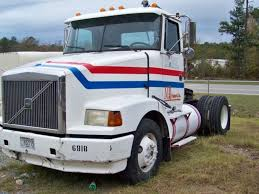 √ Repossessed Semi Trucks For Sale By Banks, Repossessed Truck ...