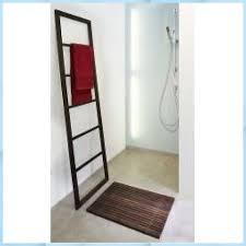 spa holzvorleger rhomtuft badezimmer deko ideen