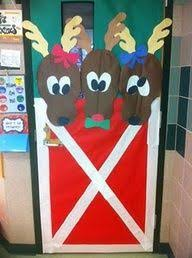Classroom Door Christmas Decorations Ideas by Christmas Door Decoration You Could Use Different Colored Plates