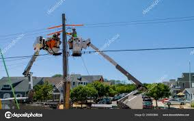 100 Bucket Truck Repair Sayreville June 2018 Workers Telecommunication Cable Heavy