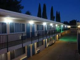 Lamp Liter Inn In Visalia by Americas Best Value Inn Visalia Visalia California Rentbyowner
