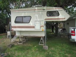 8' TRUCK CAMPER, WITH JACKS, ALUMINUM STEPS, GREAT CONDITION