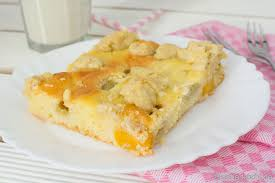 rhabarberkuchen mit pfirsichen und schmandguss vom blech