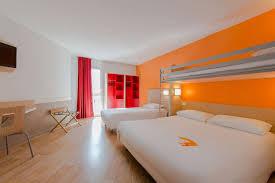 chambre hotel 4 personnes hôtel premiere classe la rochelle centre les minimes premiere classe
