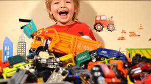 A HUGE PILE OF Kids Construction And Toy Trash Trucks! L Garbage ... Toy Trash Trucks In Action Garbage Truck With Side Arm Best Kids Playing Pictures Dickie Toys Walmartcom Videos For Children Unboxing Tonka Mighty Dumpster Worlds Recycling Waste Youtube Amazoncom 12air Pump Vehicle For Green Kawo Jack Bruder Video Gym Pickup Front Loader