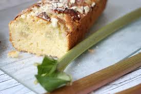 rezept rhabarberkuchen mit weißer schokolade und marzipan
