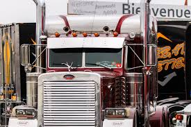 Big Truck Pictures Free Download - High Resolution Trucks Photo Gallery