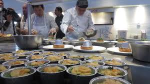 cuisine pas cher ile de les bouffons de la cuisine â pas besoin d avoir des toques et