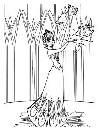 Queen Elsa Decorating Her Castle Colouring Page