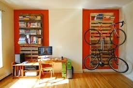 DIY Pallet Bookshelf & Bike Rack